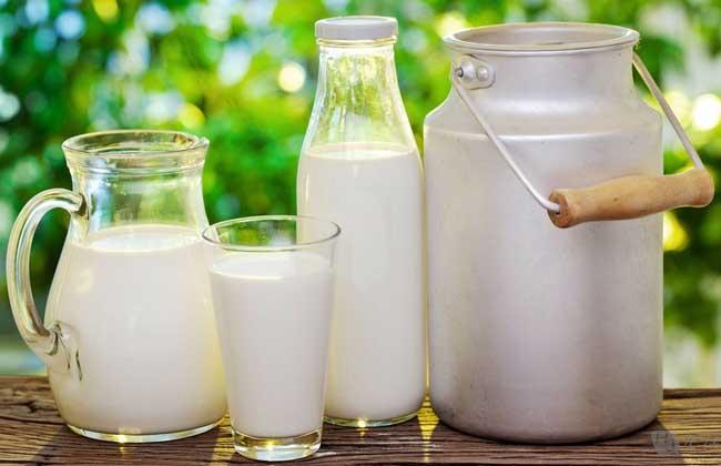 空腹喝牛奶好不好