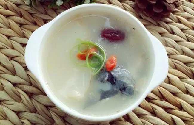 鲜天麻炖鱼头