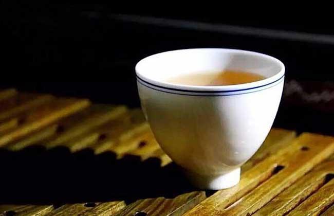空腹喝茶会怎么样