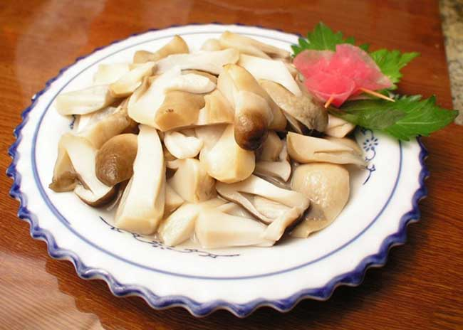 草菇炒肉的做法