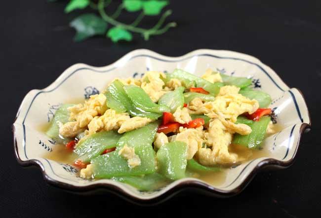 丝瓜炒鸡蛋的做法