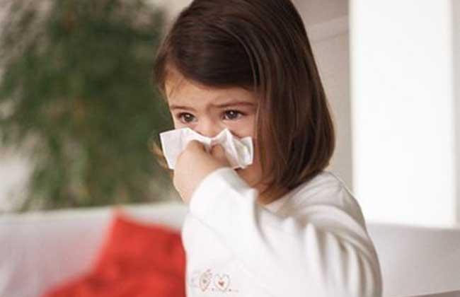 """鼻腔长肿物也会造成鼻子不通气 鼻腔或鼻窦长肿物引起鼻塞。肿物有多种,常见的是鼻息肉,一种鼻腔良性肿圞瘤,形如""""荔枝肉"""",其次是鼻腔乳圞头状瘤,还有比较少见的鼻腔窦恶性肿圞瘤,鼻咽癌有些早期症状也可能只是鼻塞不透气。 另外还有大多数的鼻炎都会造成鼻塞的症状。因此有鼻塞的现象出现的时候,首先就得考虑一下是否患上了鼻炎。"""