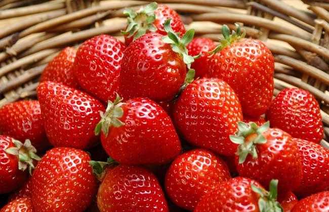 草莓的功效作用
