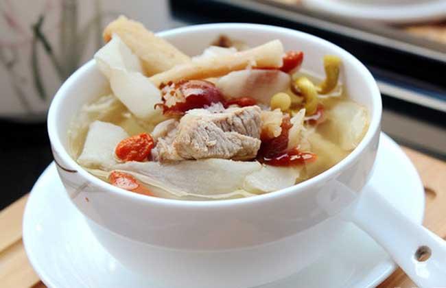 沙参玉竹排骨汤