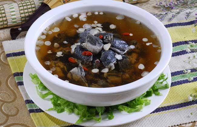 红菇乌鸡汤