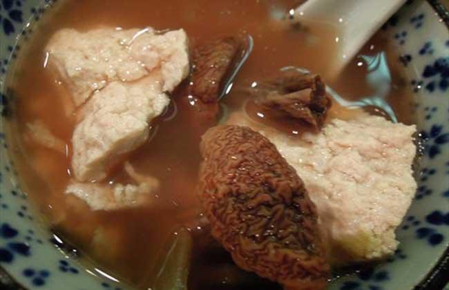 红菇豆腐汤