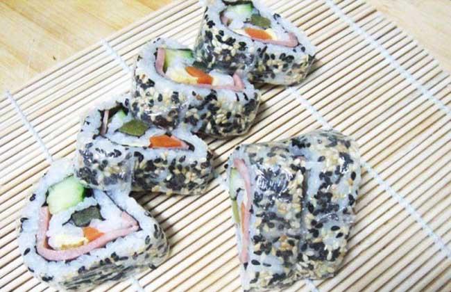双色黑芝麻寿司卷