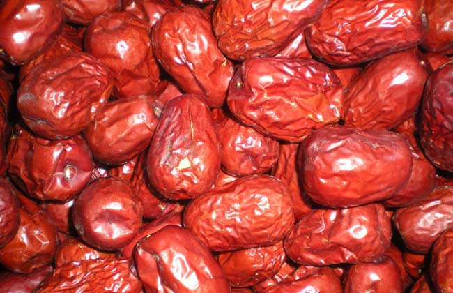 黑枣和红枣的区别