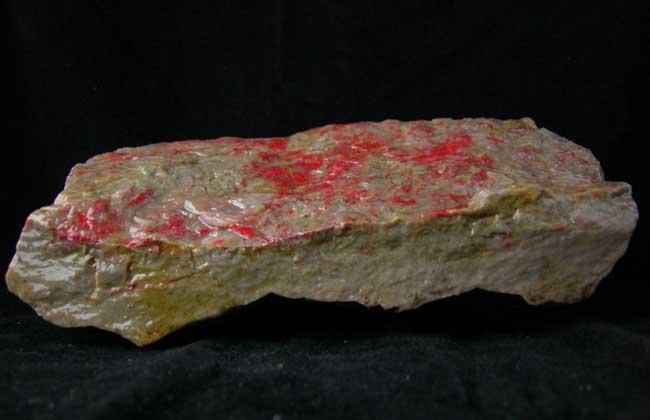 鸡血石原石鉴定方法