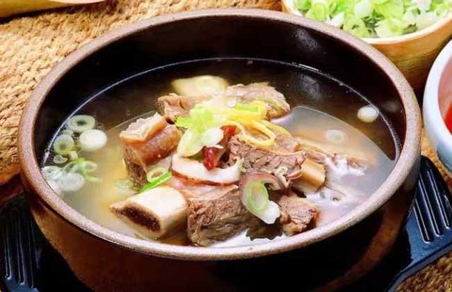 辣木排骨汤