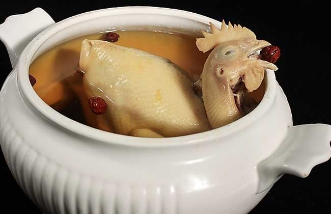 辣木叶清鸡汤