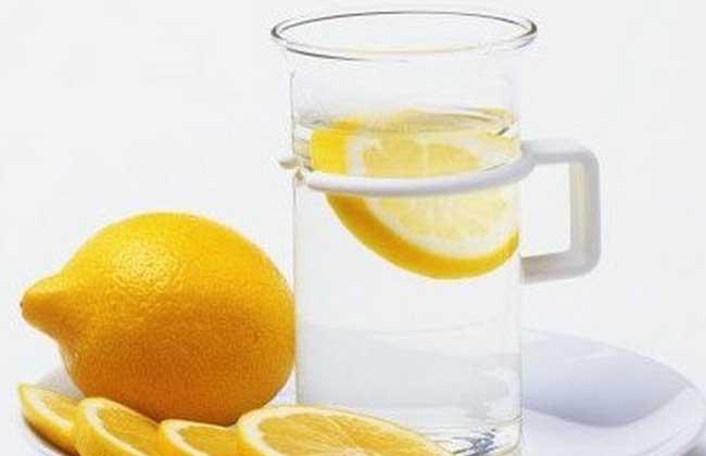 柠檬片泡水减肥法