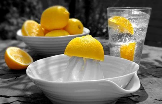 晚上喝柠檬水好吗?