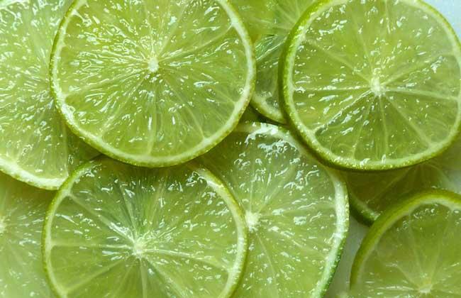 用柠檬水洗脸好吗?