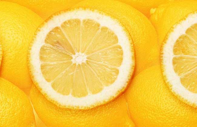 怎么用柠檬美白牙齿?