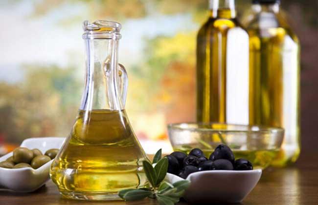 橄榄油的丰胸方法