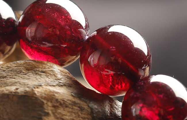 石榴石怎么保养和消磁?