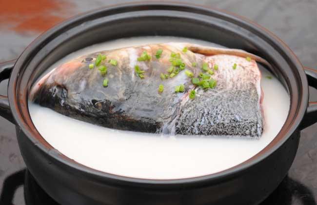 天麻炖鱼头的做法