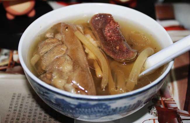 茭白通草鸭肉汤