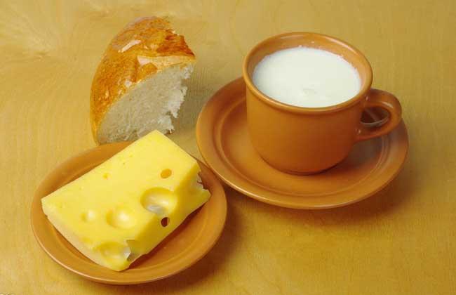 喝牛奶会不会上火?