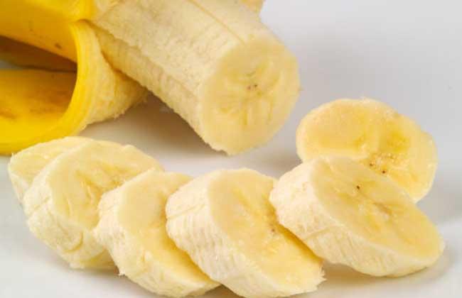 自制香蕉牛奶的做法