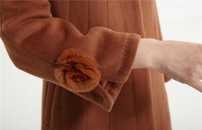 羊毛大衣可以水洗吗?