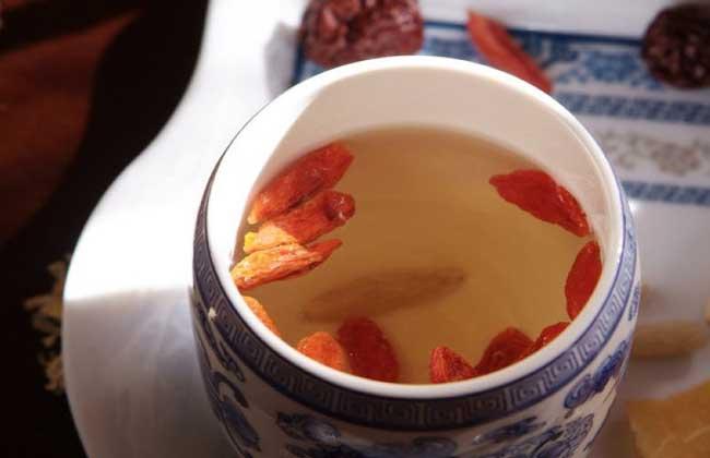 红枣枸杞玫瑰花茶的做法