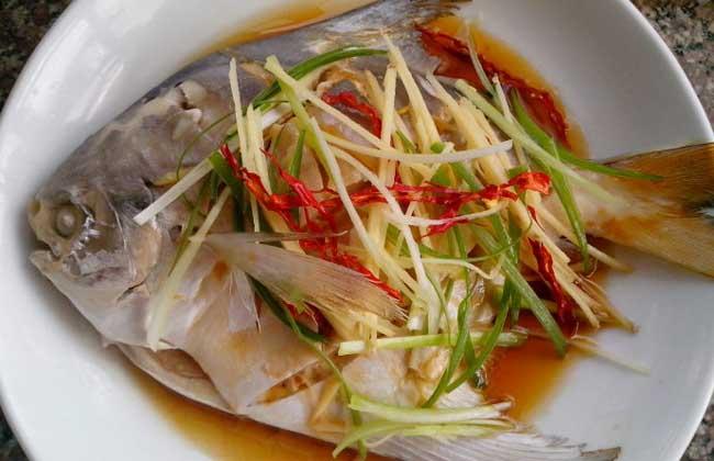 清蒸鲳鱼的家常做法