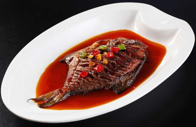 干烧鲳鱼的家常做法