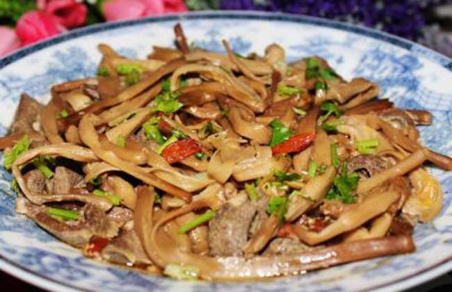 黄花菜蒸猪肝