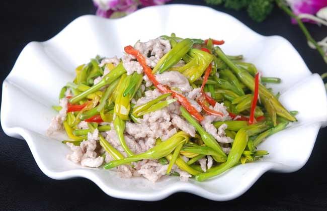 炒鲜黄花菜的家常做法