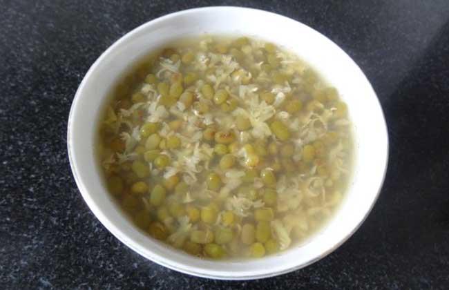绿豆汤为什么是红色的?