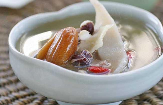 排骨清补芡实汤