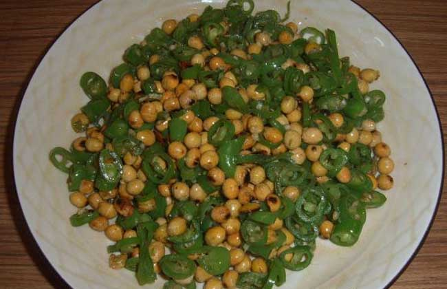 青椒炒黄豆