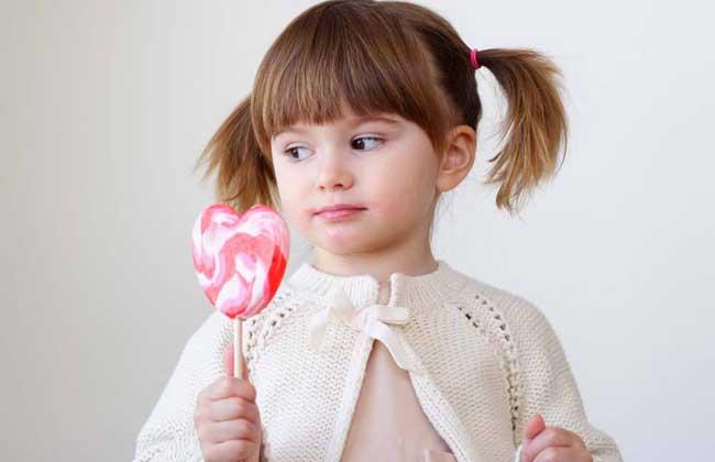 梦见抱着小女孩是什么意思?