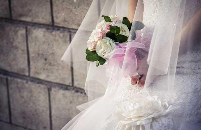 梦见参加别人的婚礼是什么意思?
