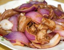 洋葱炒肉的功效及做法