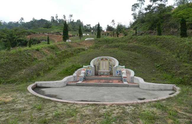 梦见坟墓是什么预兆?