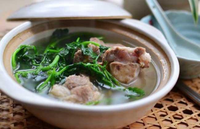 豆瓣菜煲筒骨汤