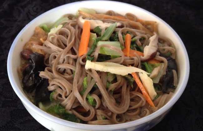 青菜荞麦面