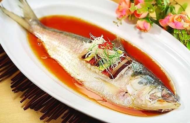 火腿蒸鲥鱼