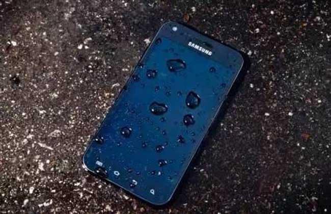 手机掉水里怎么处理?