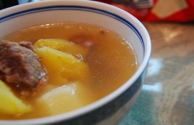 菠萝牛腩汤