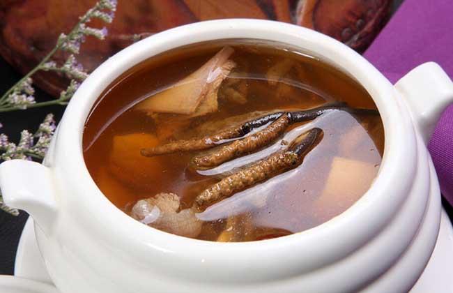 冬虫夏草虾仁汤