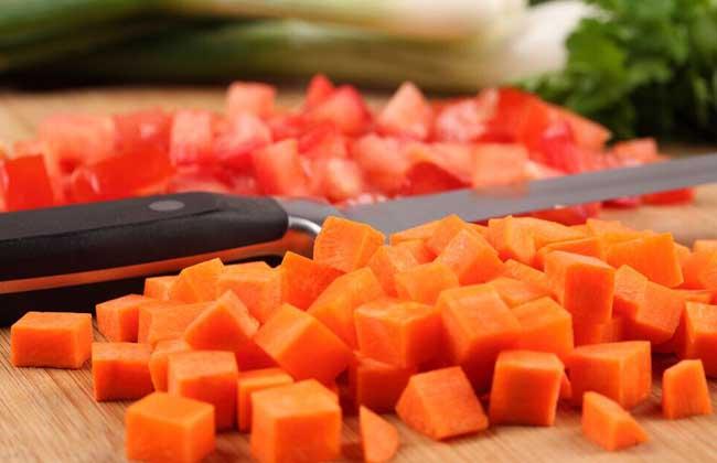 胡萝卜生吃好还是熟吃好?