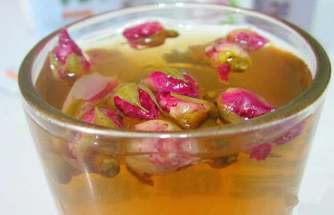 玫瑰花茶和什么搭配好