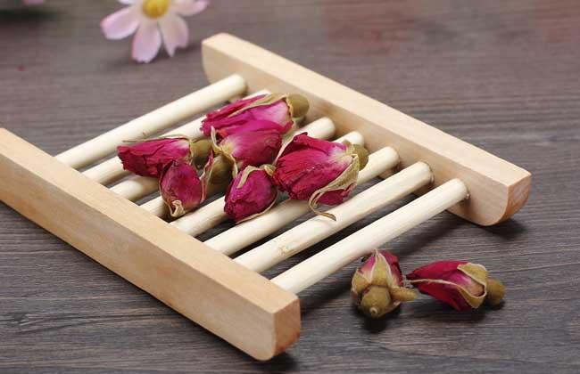 玫瑰花茶可以丰胸吗?