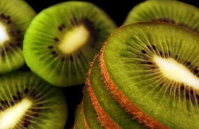 猕猴桃不能和什么一起吃?