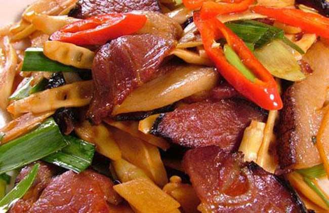百合炒腊肉