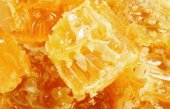 蜂蜜水的功效的作用及禁忌